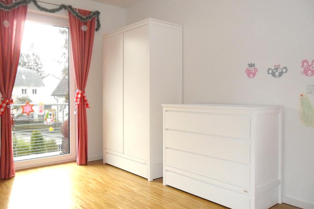 Schrank KINTO weiß lackiert - Kindermöbel München Salto ...