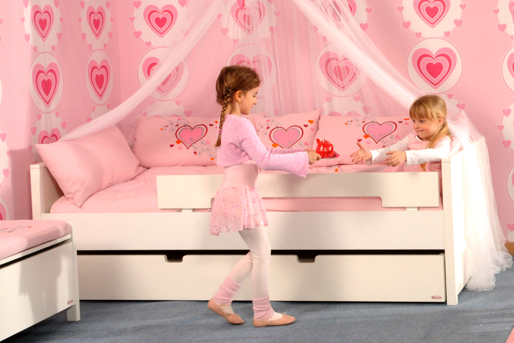 kinderbett mit g stebett ikea. Black Bedroom Furniture Sets. Home Design Ideas
