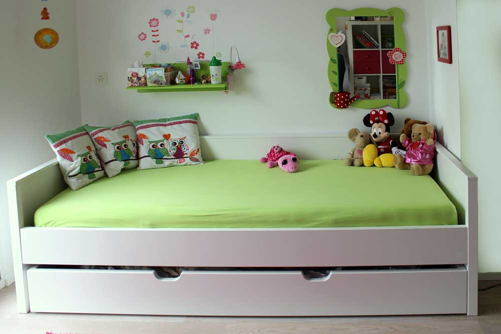 kinderbett nestbett wei kinderm bel m nchen salto. Black Bedroom Furniture Sets. Home Design Ideas