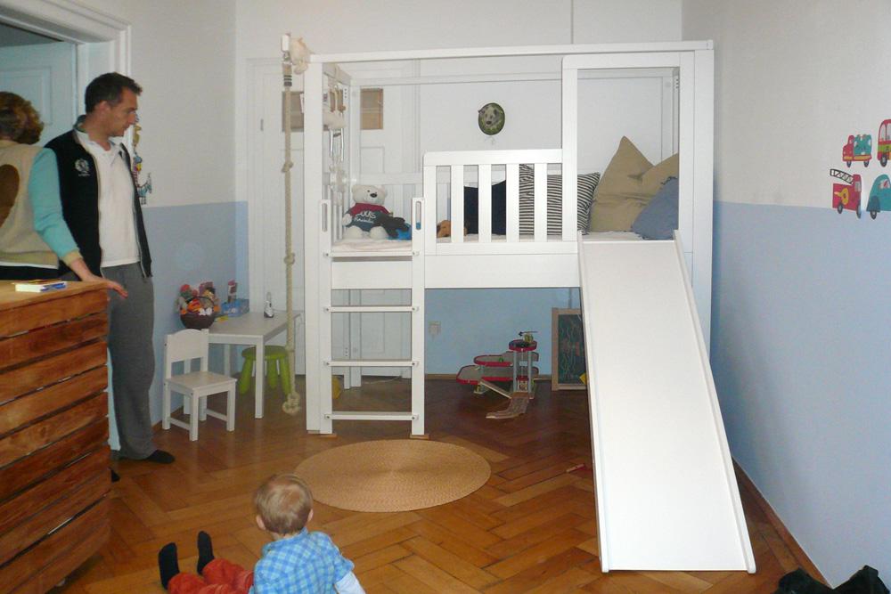 Kinderzimmer rutsche for Kindermobel jugendzimmer