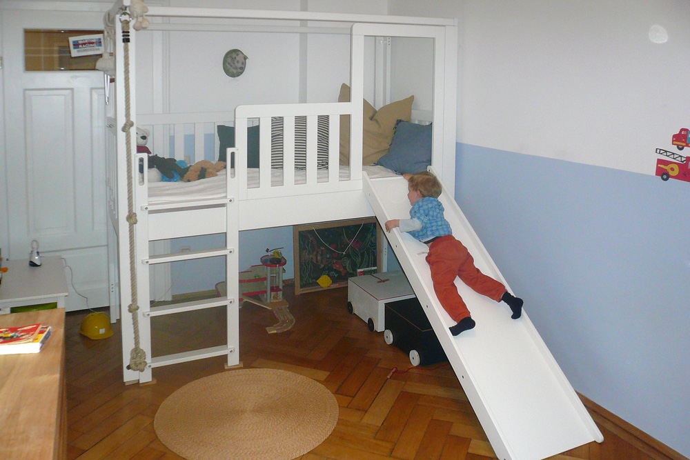 spielbett listo mit rutsche kinderm bel m nchen salto. Black Bedroom Furniture Sets. Home Design Ideas