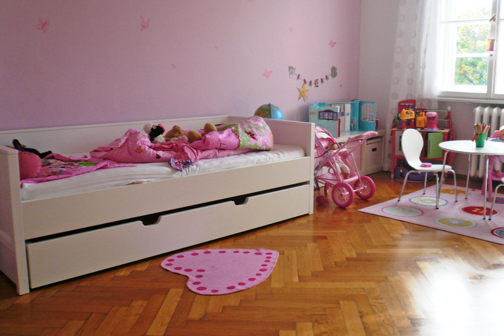 kinderbett mit g stebett ikea. Black Bedroom Furniture Sets. Home Design Ideas