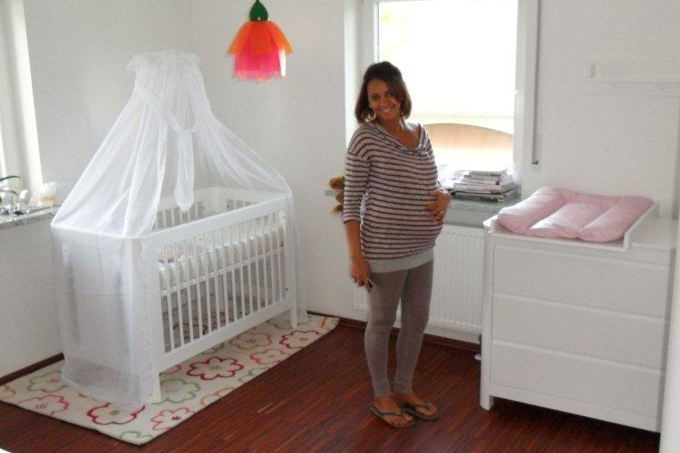 babybett rondo kinderm bel m nchen salto babybett aus massivholz deckend wei lackiert. Black Bedroom Furniture Sets. Home Design Ideas